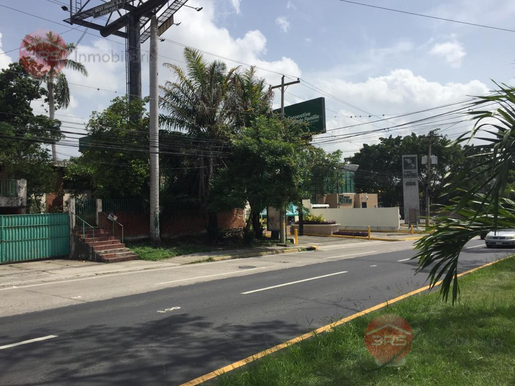 Foto Edificio Comercial en Venta en  San Pedro Sula ,  Cortés  OPORTUNIDAD EXCEPECIONAL, EN AVENIDA CIRCUNVALACIÓN!!