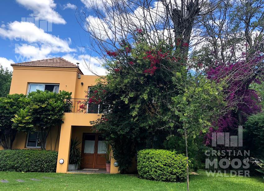 Foto Casa en Venta en  El Aromo,  Countries/B.Cerrado  Loma Verde