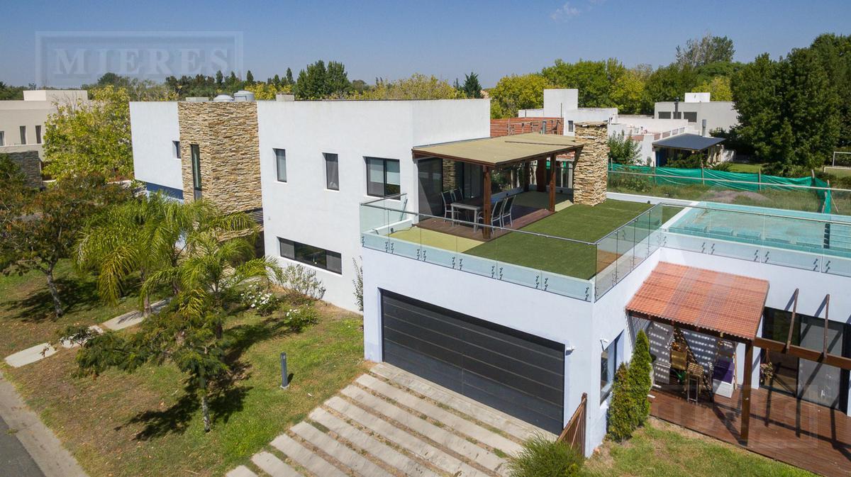 Espectacular casa en Santa Maria De Tigre