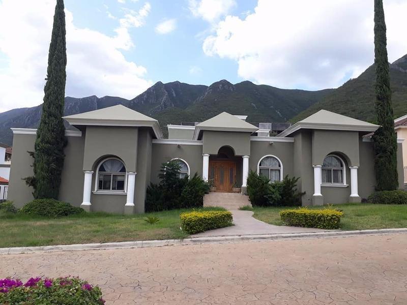 Foto Casa en Venta | Renta en  Portal del Huajuco,  Monterrey  CASA EN VENTA Y RENTA PORTAL DEL HUAJUCO ZONA CARRETERA NACIONAL MONTERREY