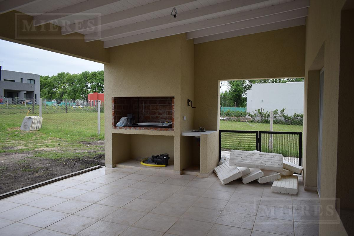 MIERES Propiedades- Casa de 170 mts en Pilar del Este Santa Guadalupe