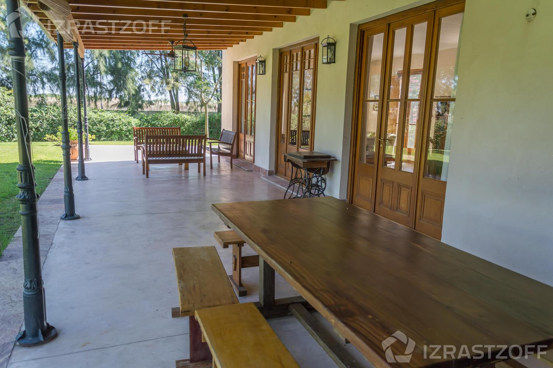 Casa--Santa Barbara-Barrio Privado Santa Bárbara