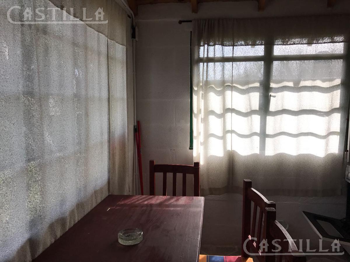 Foto Casa en Alquiler en  Zona Delta Tigre,  Tigre  Curubica al 200