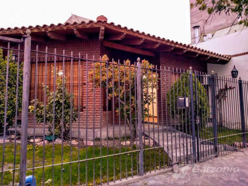 Foto Casa en Alquiler en  Trelew ,  Chubut  San Martin al 800