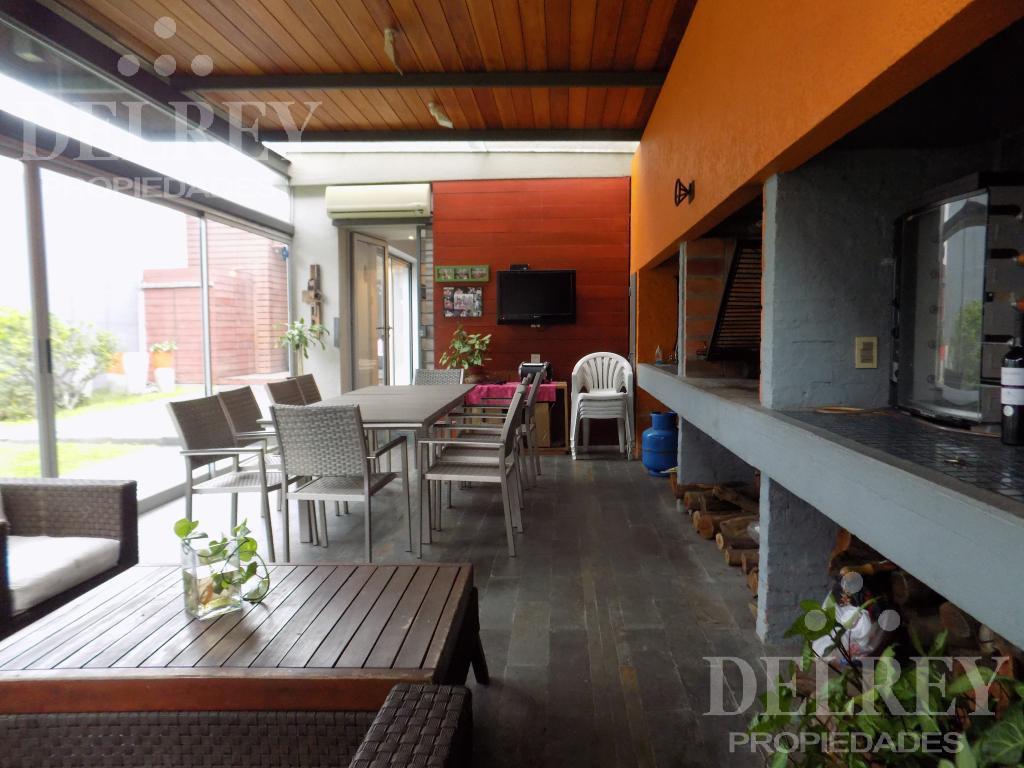 Foto Casa en Venta en  Pocitos ,  Montevideo  Simón Bolivar y Silvestre Blanco