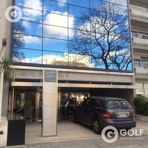 Foto Oficina en Alquiler en  Golf ,  Montevideo  OFICINA A METROS DEL CLUB DE GOLF, SOBRE BV. ARTIGAS, 2 GARAJES