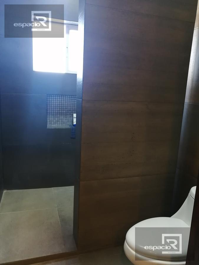 Foto Casa en Venta en  Fraccionamiento Bosques del Valle,  Chihuahua  MODERNA CASA EN VENTA EN BOSQUES DEL VALLE FRENTE A PARQUE