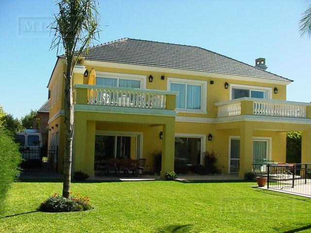 Casa de 380 mts. en El Establo