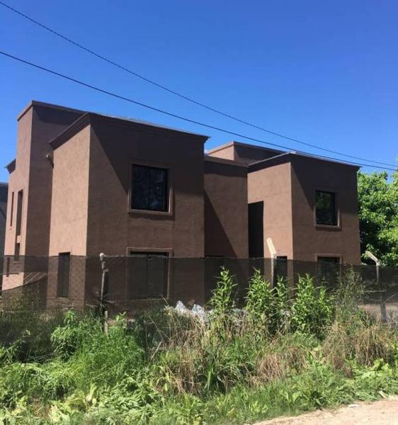 Foto Casa en Venta en  Casas del Bosque,  Pilar  Las margaritas al 900