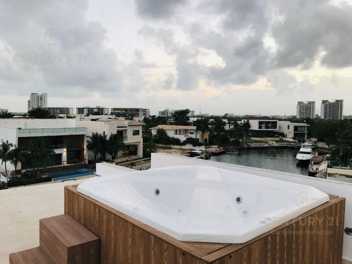 Puerto Cancún Casa for Venta scene image 4
