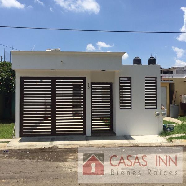 Foto Casa en Venta |  en  Conjunto habitacional Real de Valencia,  Zamora  CASA EN VENTA EN ZAMORA PRADOS DE VALENCIA