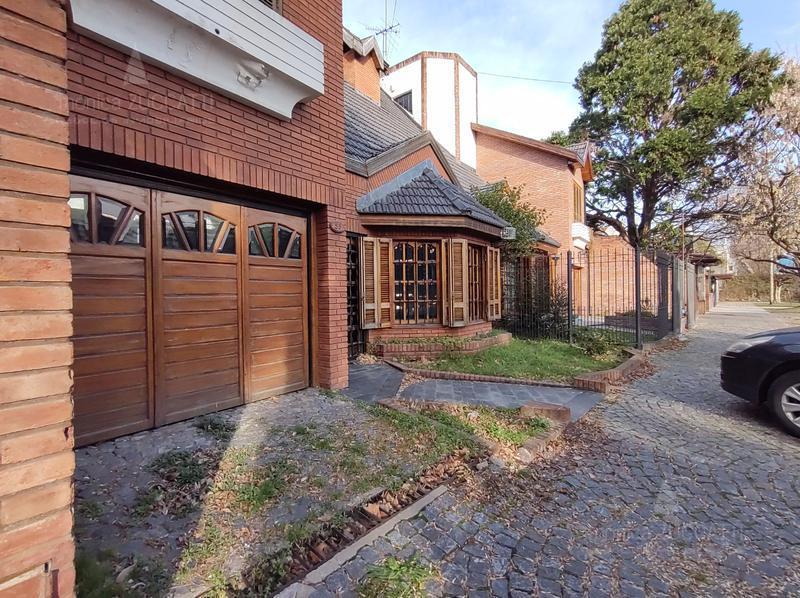 Foto Casa en Venta en  Banfield Este,  Banfield  Serrano 55