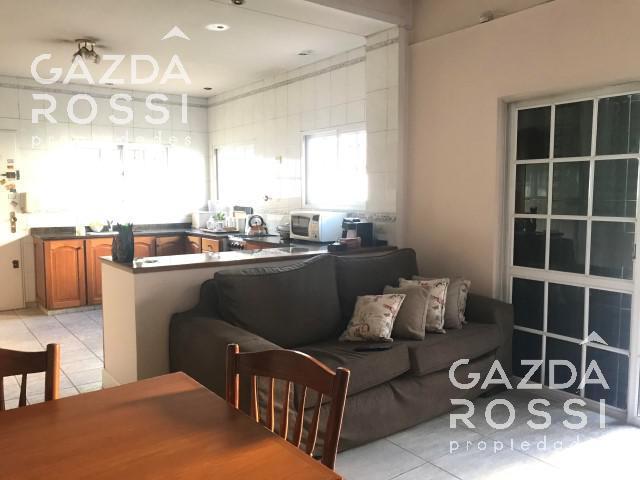 Foto Casa en Venta en  Adrogue,  Almirante Brown  Cordero al 700