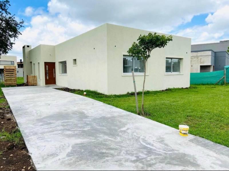 Foto Casa en Venta en  Pilar Del Este,  Countries/B.Cerrado (Pilar)  Casa a estrenar a la venta en Pilar Del Este – Bayugar Negocios Inmobiliarios