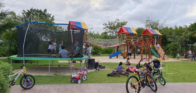Foto Casa en Venta en  Aqua,  Cancún   Casa en Venta en Cancún, Residencial Aqua  de 3 Recámaras con Alberca