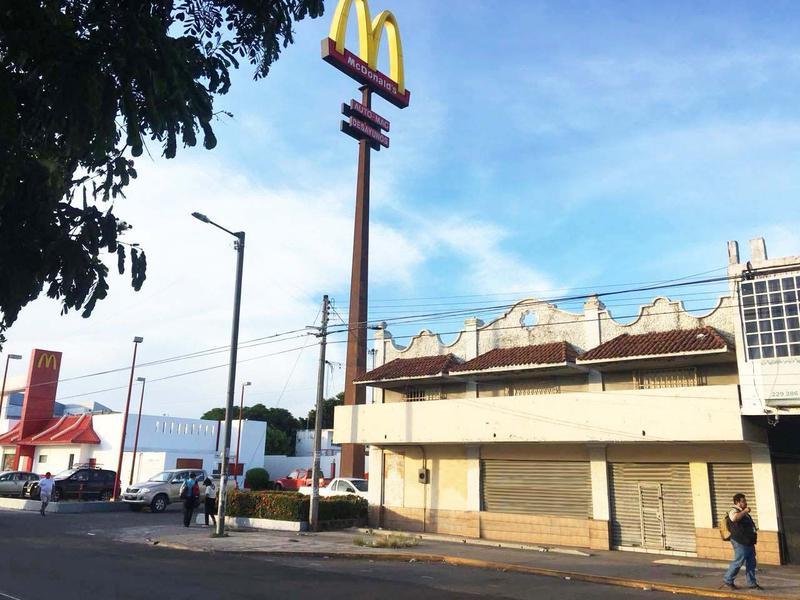 Foto Local en Renta en  Formando Hogar,  Veracruz  LOCAL EN RENTA AV. CUAUHTÉMOC