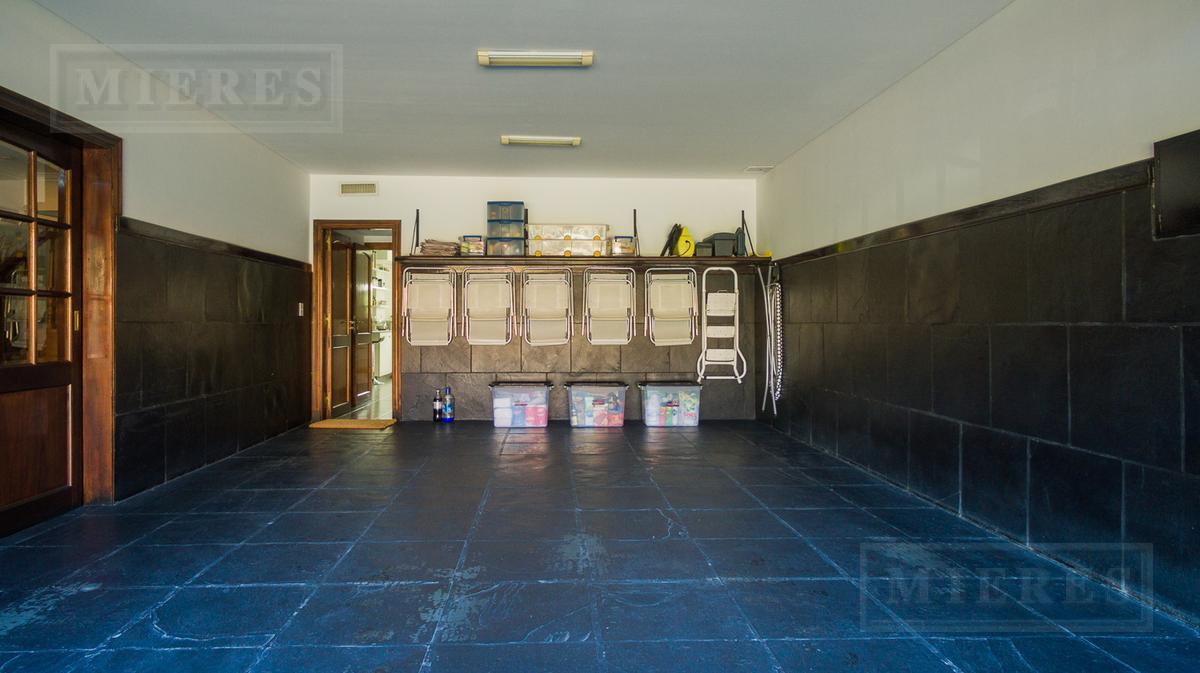 Excelente Casa - Martínez, vías a Libertador