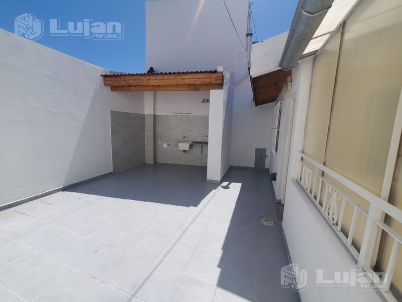 Foto PH en Venta en  Mataderos ,  Capital Federal  Jose León Suarez 2100