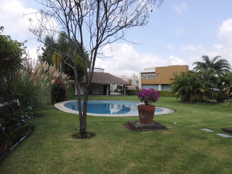 Foto Terreno en Venta en  Pueblo José G Parres,  Jiutepec  Venta de terreno en Fracc. Residencial, Jiutepec, Mor...Clave 2244