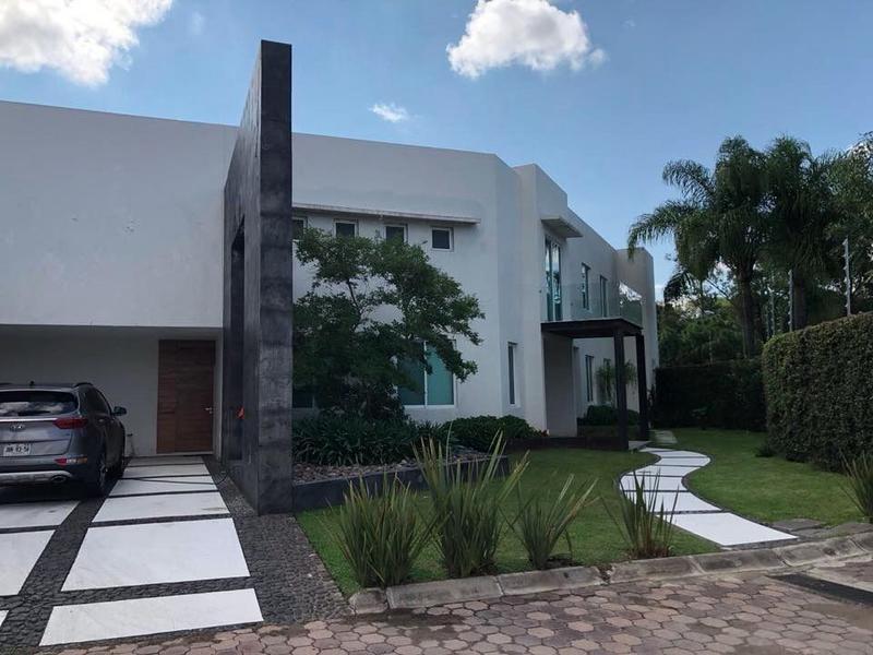 Foto Casa en condominio en Venta en  Lomas del Valle,  Guadalajara  PASEO DEL PRADO