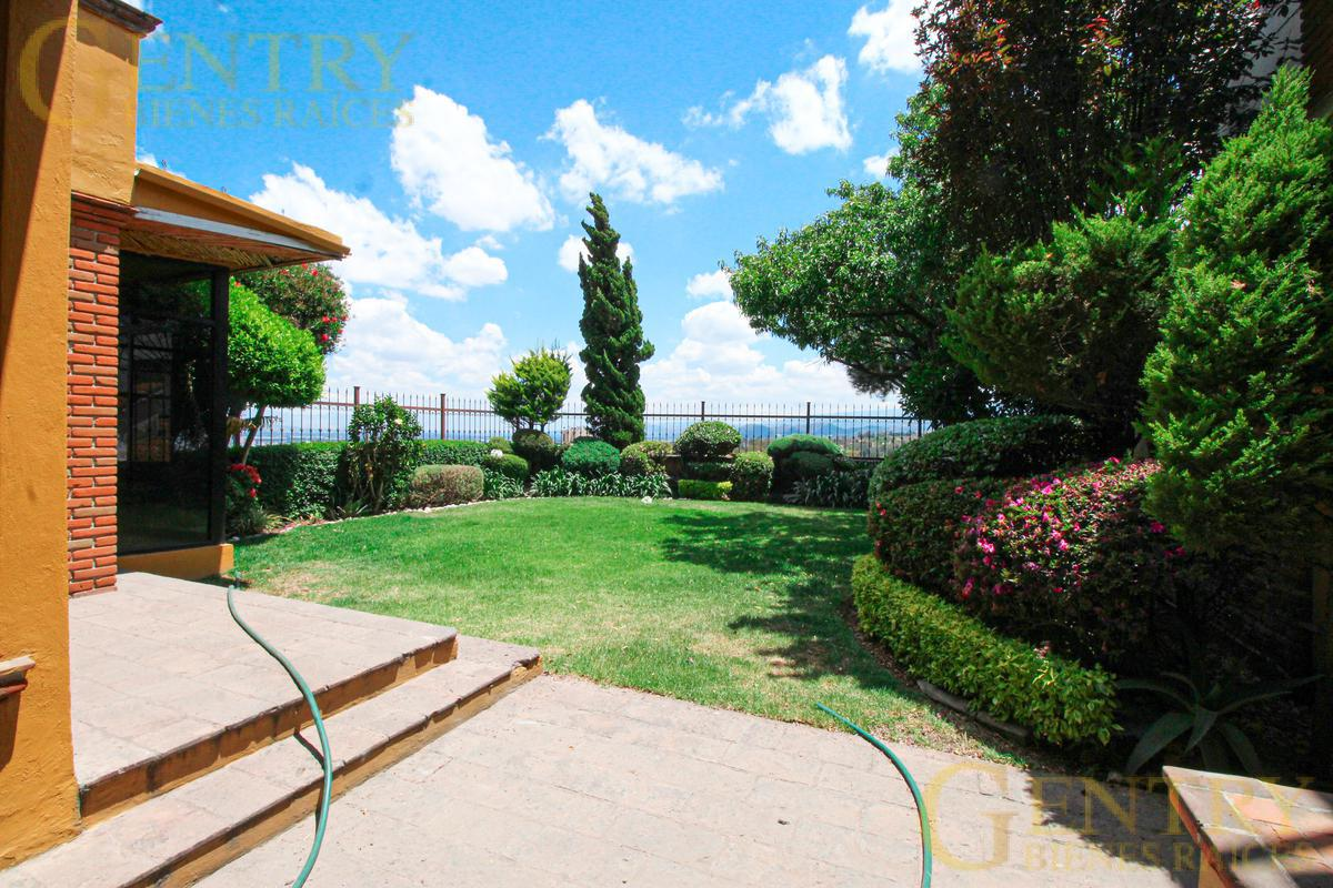 Foto Casa en Venta en  Jardines en la Montaña,  Tlalpan  JARDINES EN LA MONTAÑA, RESIDENCIA ESTILO MEXICANO