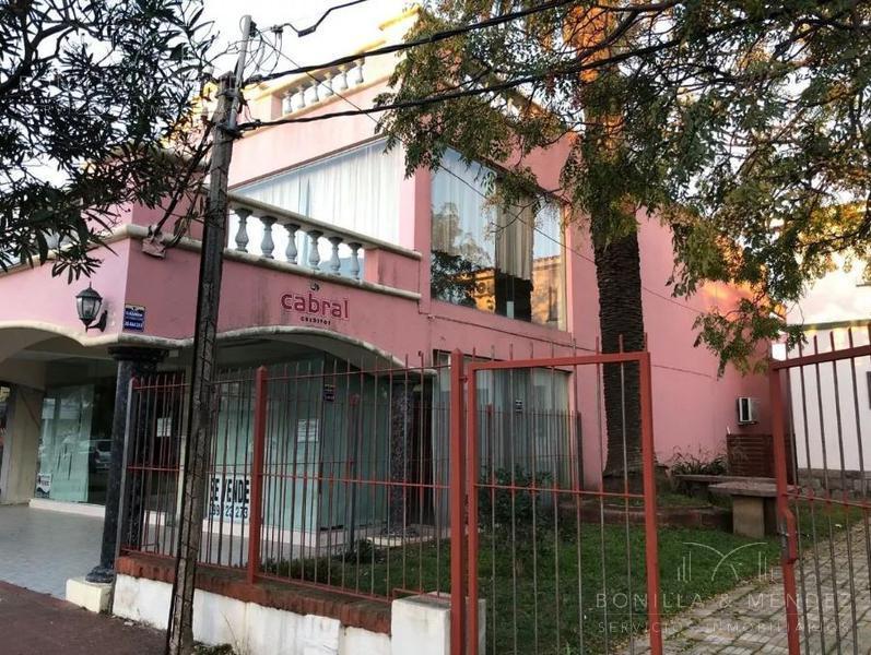 Foto Local en Venta en  Centro,  Piriápolis  Avda Piria y Tucuman
