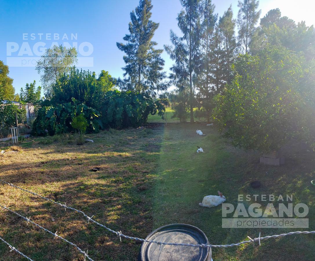Foto Casa en Venta en  Los Hornos,  La Plata  133 e/ 82 y 83