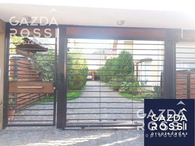 Foto Casa en Alquiler en  Adrogue,  Almirante Brown  Quintana al 700