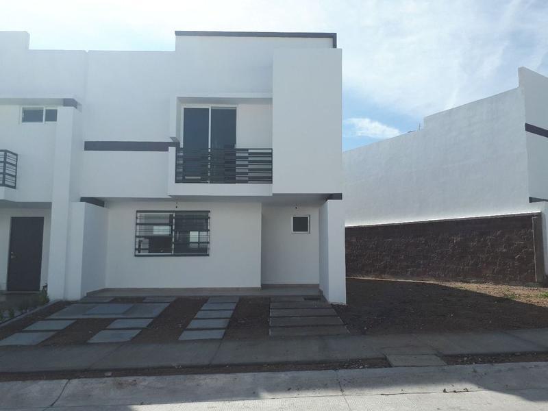 Apartada Preciosa casa en renta Portón del Valle León Gto.
