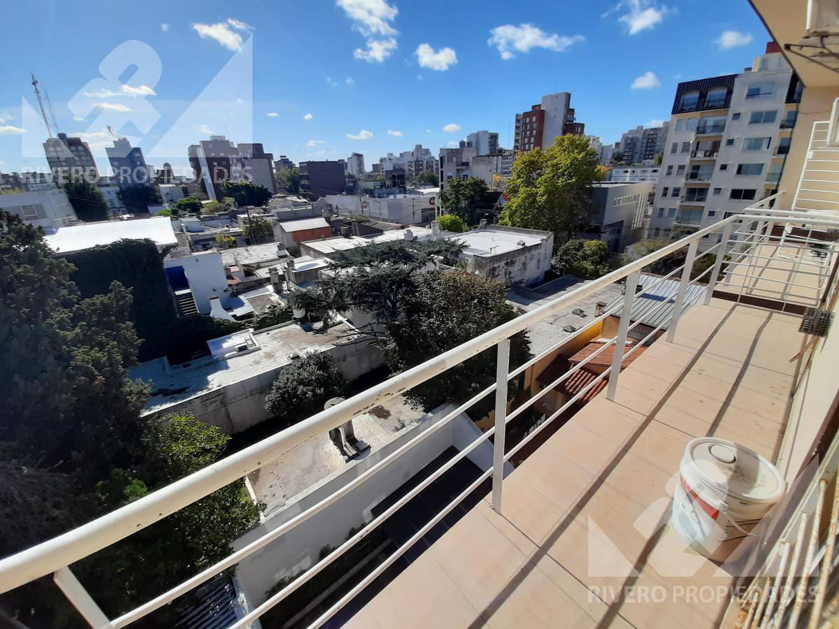 Foto Departamento en Venta en  Moron Sur,  Moron  Carlos Pellegrini al 900