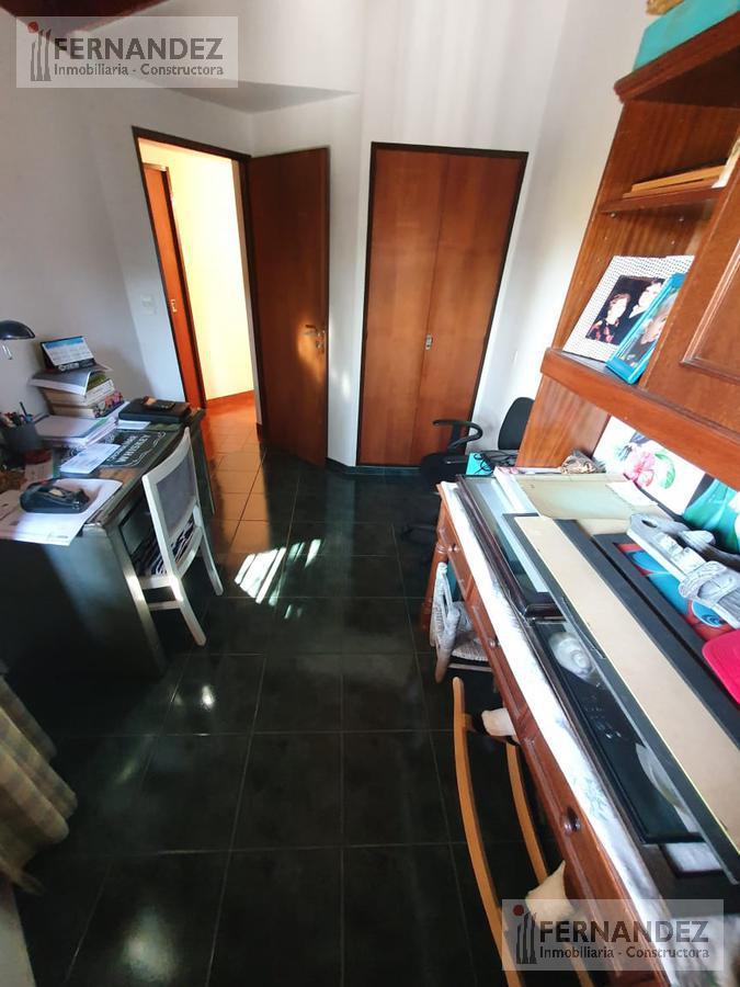 Foto Casa en Venta en  Olivos-Maipu/Uzal,  Olivos  Alferez Hipólito Bouchard al 2700