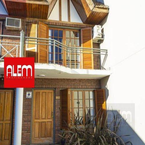 Foto Casa en Venta en  Banfield Oeste,  Banfield  Godoy Cruz 1037