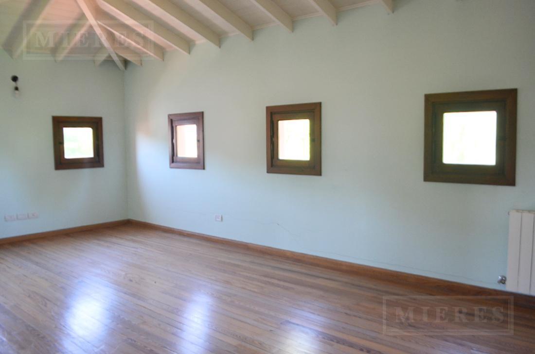 Mieres Propiedades - Casa de 329 mt en La Lomada