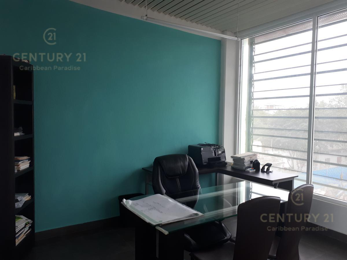 Playa del Carmen Bussiness Premises for Rent scene image 3