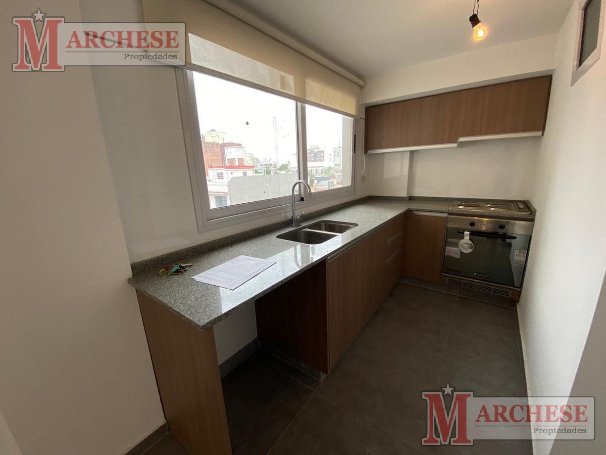 Foto Departamento en Venta en  Castelar,  Moron  Bayardi 2576