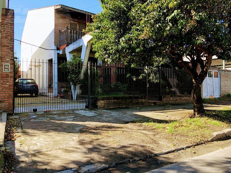 Foto Casa en Venta en  San Justo,  La Matanza  Ensenada al 1900