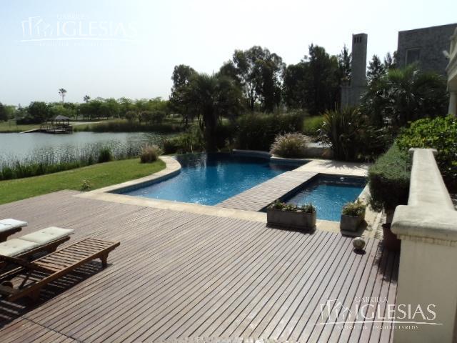 Casa en Venta en Los Castores a Venta - u$s 3.500.000