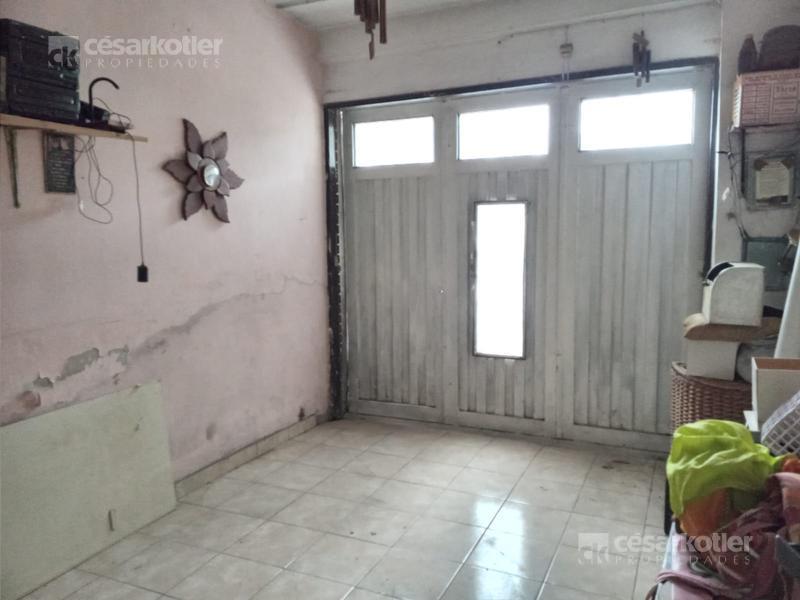 Foto Casa en Venta en  Almirante Brown ,  G.B.A. Zona Sur  Alvear 4871