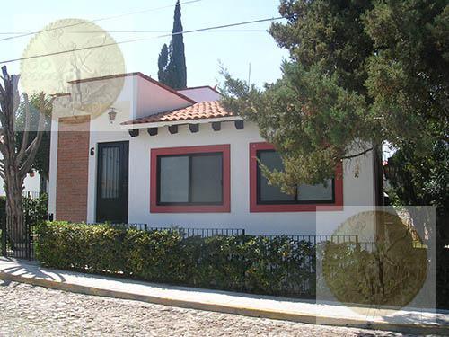 Foto Casa en Venta |  en  Fraccionamiento Los Viñedos,  Tequisquiapan  Preciosa casa eco friendly