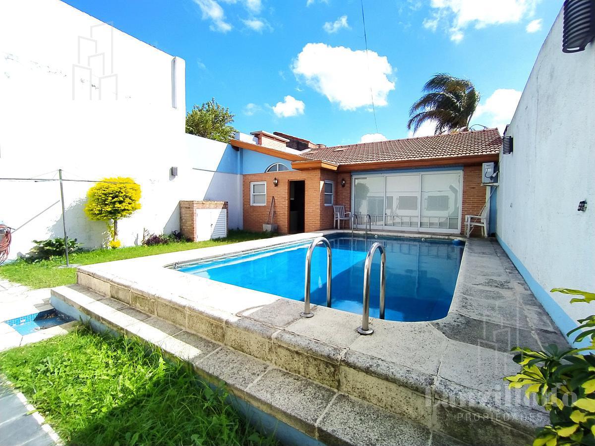 Foto Casa en Venta en  Lanús,  Lanús  Mamberti al 700 *Reservado*
