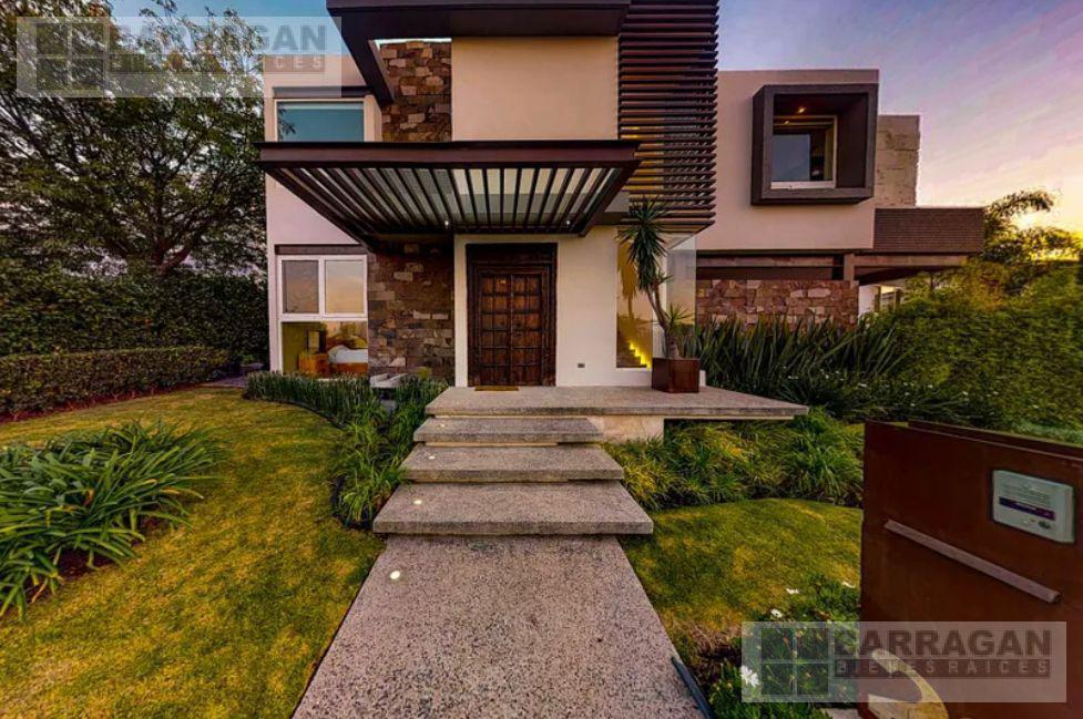 Foto Casa en Venta en  Fraccionamiento El Campanario,  Querétaro  Casa en Venta en excelente ubicación en el Campanario, Querétaro