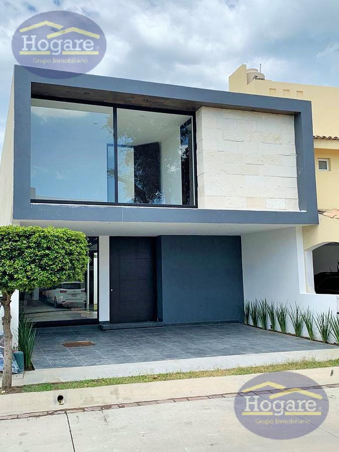 Casa Nueva en Renta Lomas punta del este 4 recamaras León Gto.