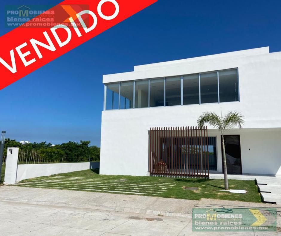Foto Casa en Venta en  Fraccionamiento Río del Dorado,  Boca del Río  CASA EN VENTA EN FRACC RÍO DEL DORADO