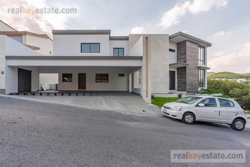 Foto Casa en Venta en  Monterrey ,  Nuevo León  Casa en Venta en Sierra Alta   en Monterrey