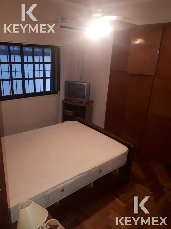 Foto Casa en Venta en  La Plata ,  G.B.A. Zona Sur  29 42  y 43  Excelente propiedad parque y 2 dormitorios