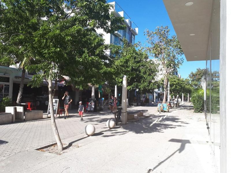 Foto Local en Renta en  Playa del Carmen Centro,  Solidaridad  SE  VENDE LOCAL EN 5TA AVENIDA PLAYA DEL CARMEN P2418