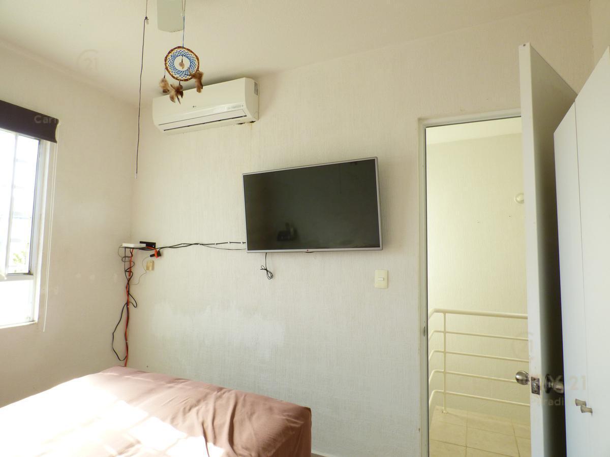 Las Palmas House for Rent scene image 14