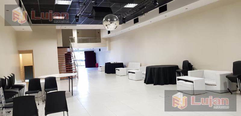 Foto Local en Venta en  Liniers ,  Capital Federal  Venta salón de fiestas,diseño y categoría, sobre Emilio Castro al 6400