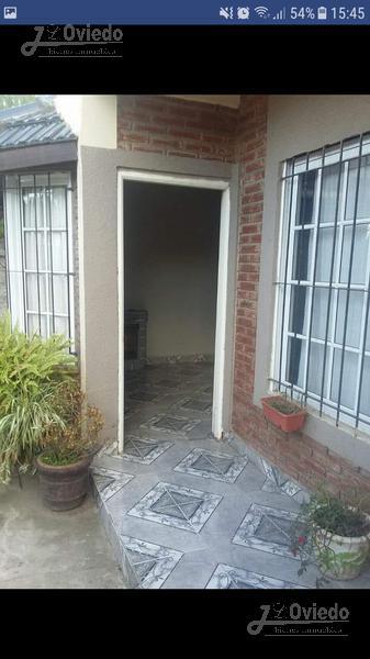 Foto Casa en Venta en  Castelar,  Moron  ÑANDUTI al 3900