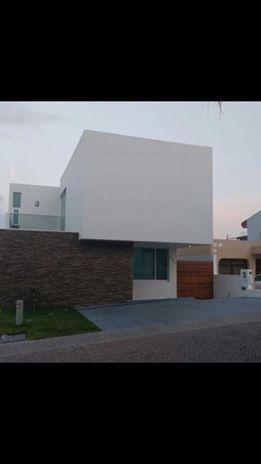 Foto Casa en condominio en Renta en  Fraccionamiento Bugambilias,  Zapopan  CASA EN VENTA EN BUGAMBILIAS
